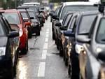 Пробки на дорогах страшнее санкций